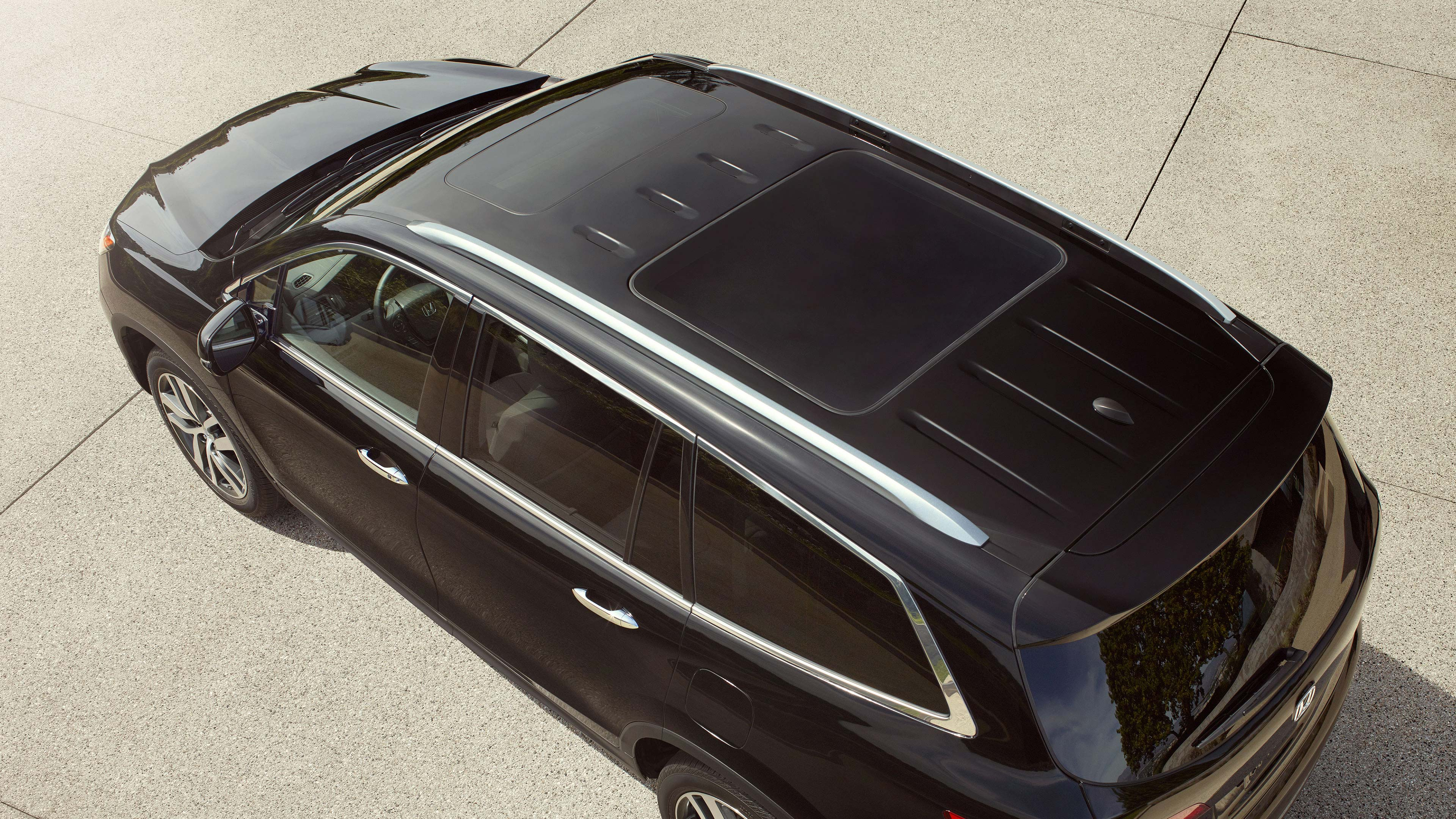 what s the difference between a moonroof and a sunroof crown honda