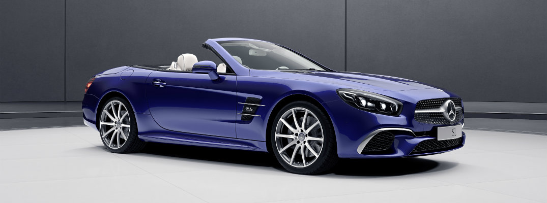 What's included with the 2018 Mercedes-Benz SLC 300 RedArt Edition?