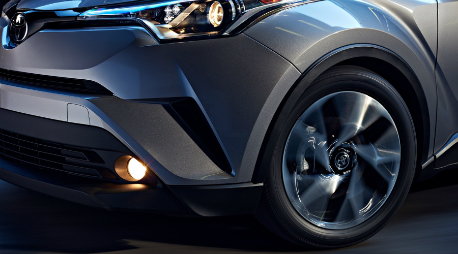 Front body design and wheels on 2018 Toyota C-HR