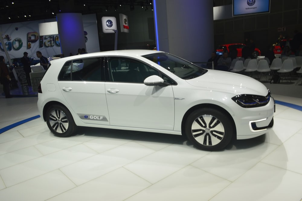 2017-volkswagen-e-golf-39