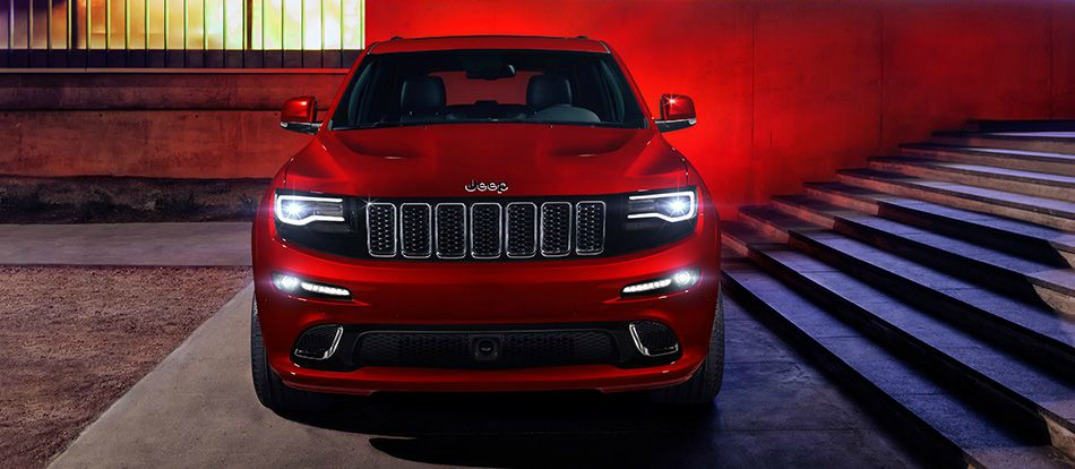 jeep grand cherokee srt front view