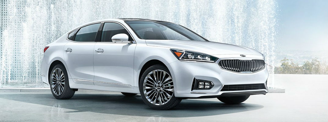 Who's in the new 2017 Kia Cadenza commercial?