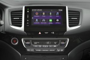 Display Audio touchscreen with Apple CarPlay icon in the 2017 Honda Pilot
