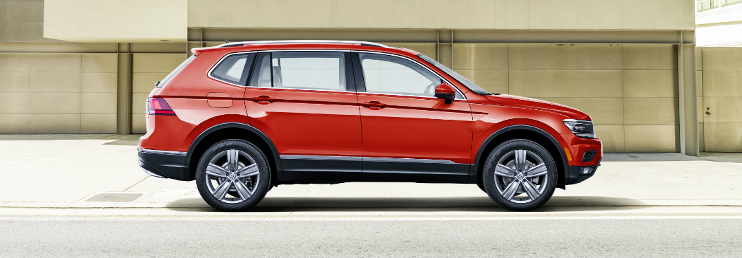 2018 VW Tiguan side view red