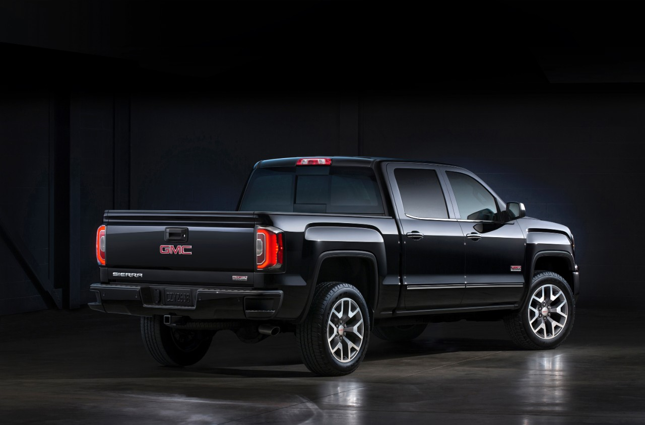 main new feature in the 2016 GMC Sierra 1500 is the redesigned front ...