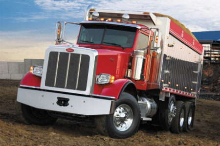Which Peterbilt models will offer the new PACCAR vocational axle?