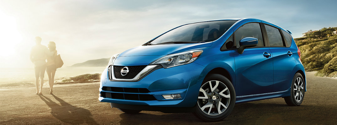 Does the 2017 Nissan Versa Note come with a touchscreen?