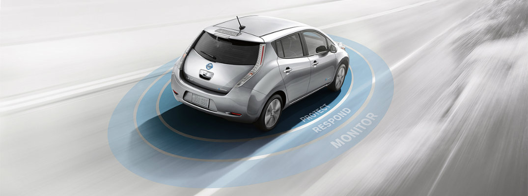 How far can the 2017 Nissan LEAF go on one charge?