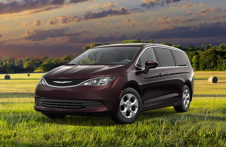 2017 chrysler pacifica vs 2017 dodge grand caravan. Black Bedroom Furniture Sets. Home Design Ideas