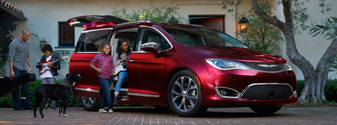 2017 Chrysler Pacifica safety rating and available features
