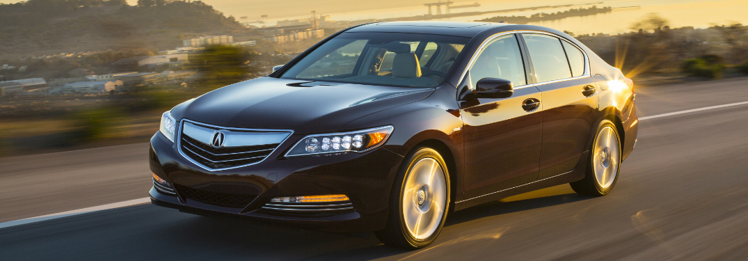 What is the fuel economy of 2017 Acura RLX Sport Hybrid?