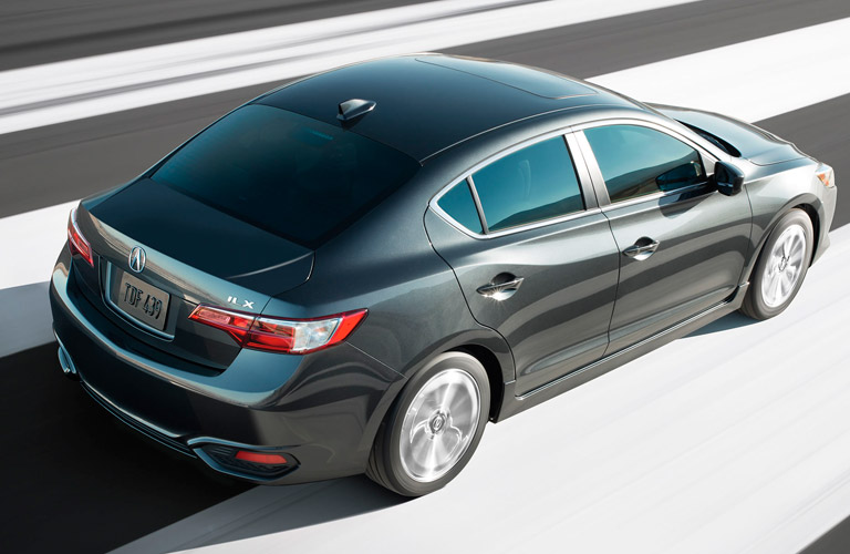 How does the acura ilx compare to the honda accord for Albuquerque mercedes benz dealerships
