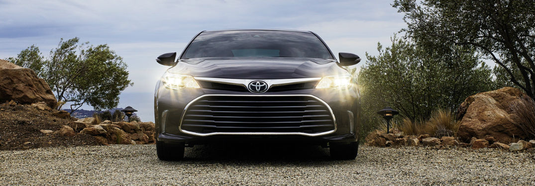 2018 Toyota Avalon Interior Volume and Convenience Features