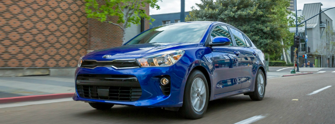 Is Apple CarPlay available in the 2018 Kia Rio?