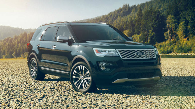 2017 ford explorer in absolute black