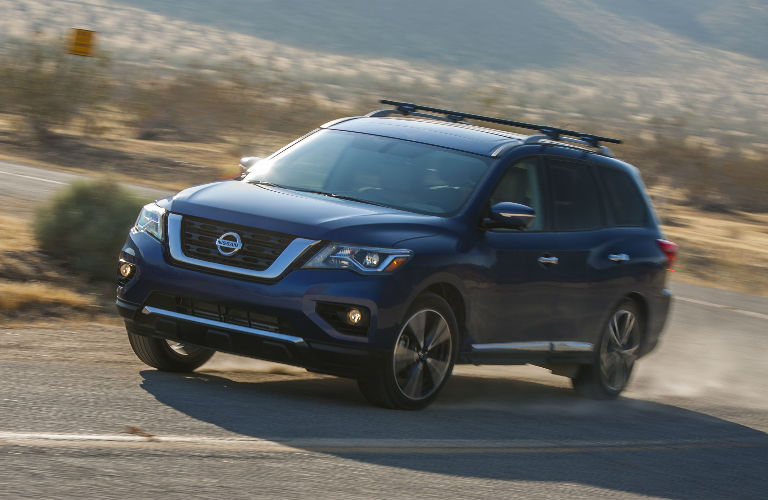 how much weight can the 2017 nissan pathfinder tow. Black Bedroom Furniture Sets. Home Design Ideas