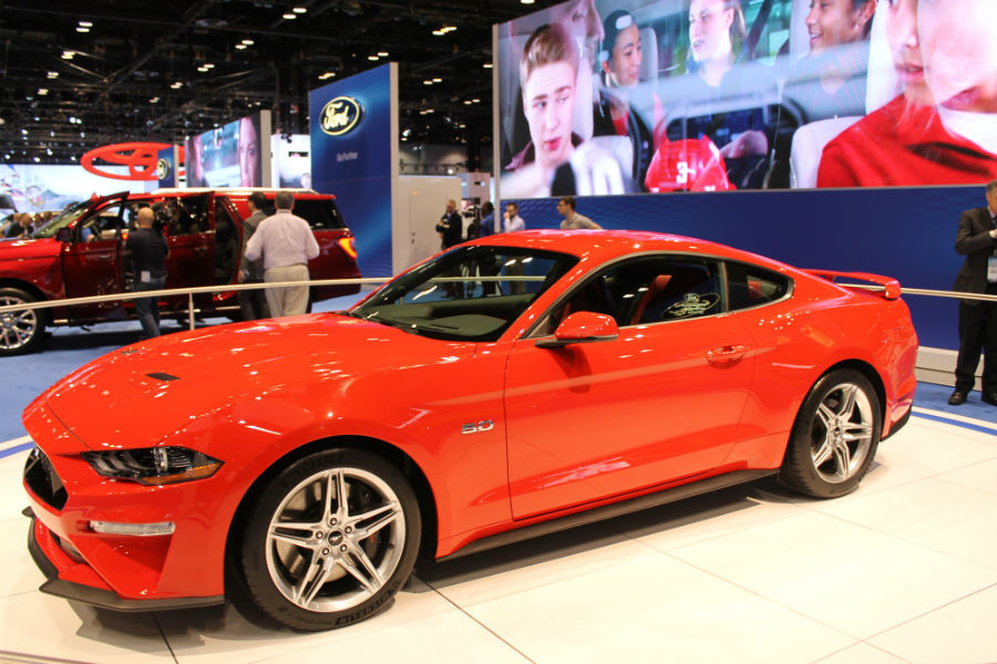 2018 Mustang educates new customers about new technology