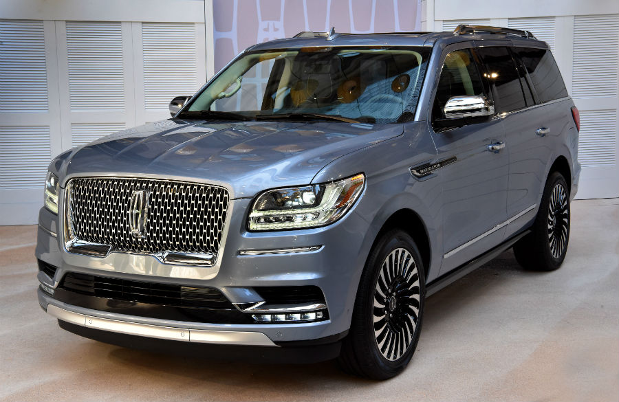 2018 Navigator gets new look for next model year