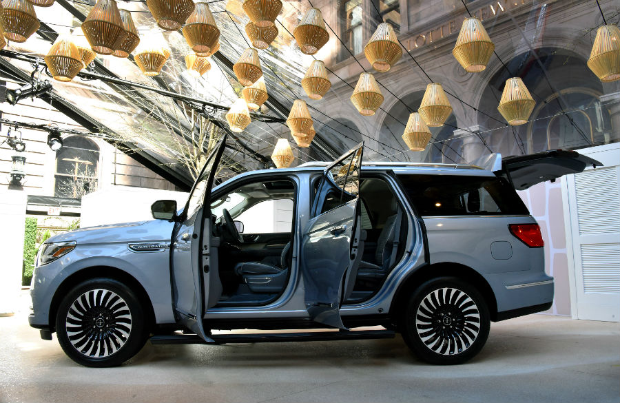 Tons of passenger cargo space in 2018 Lincoln Navigator