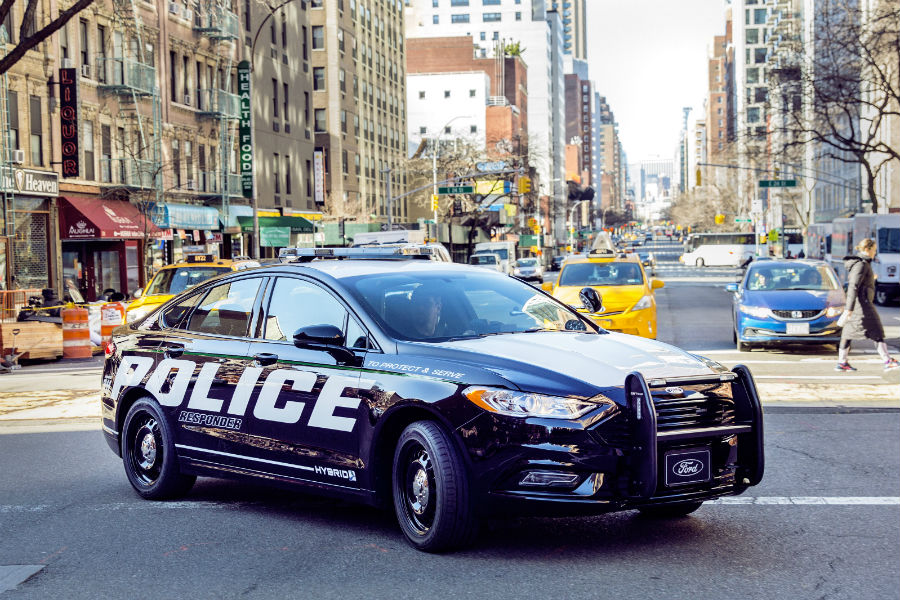 Ford's hybrid police car can reach 60 mph using only batteries