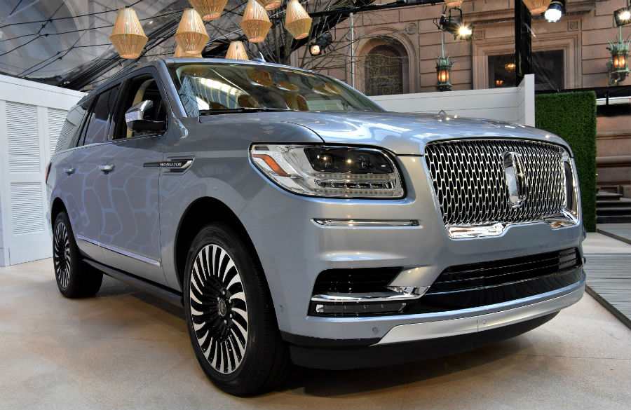 Wi-fi and wireless cell phone charging available with 2018 Navigator