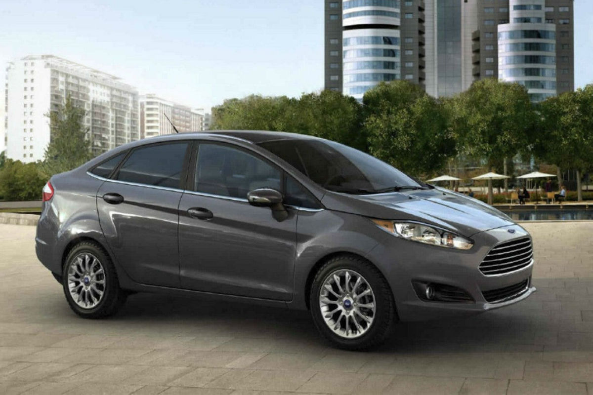 Passenger side exterior profile of Grey 2017 Ford Fiesta