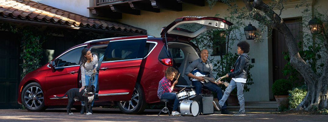 How much space is in the 2017 Chrysler Pacifica?