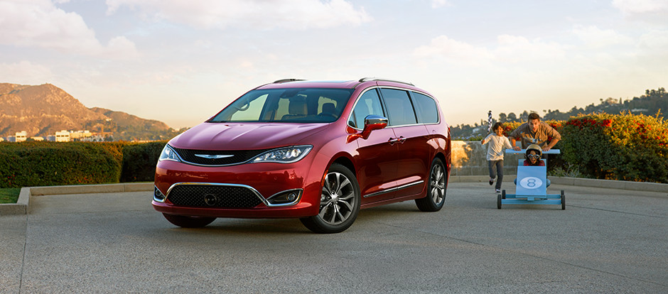 What is the Chrysler Pacifica's fuel economy?