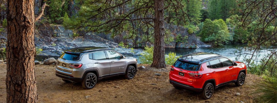 Does the all-new 2017 Jeep Compass have Apple CarPlay?