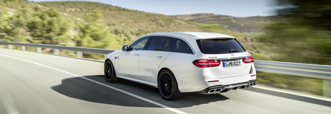 Fast Acceleration of 2018 Mercedes-AMG E63 S Wagon