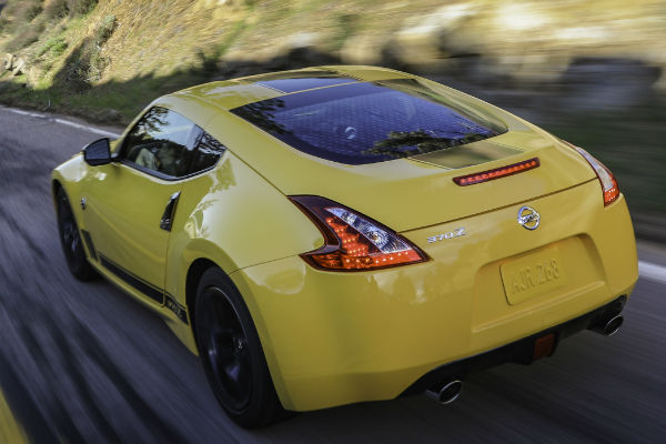 See The 2018 Nissan 370z Heritage Edition Before The New