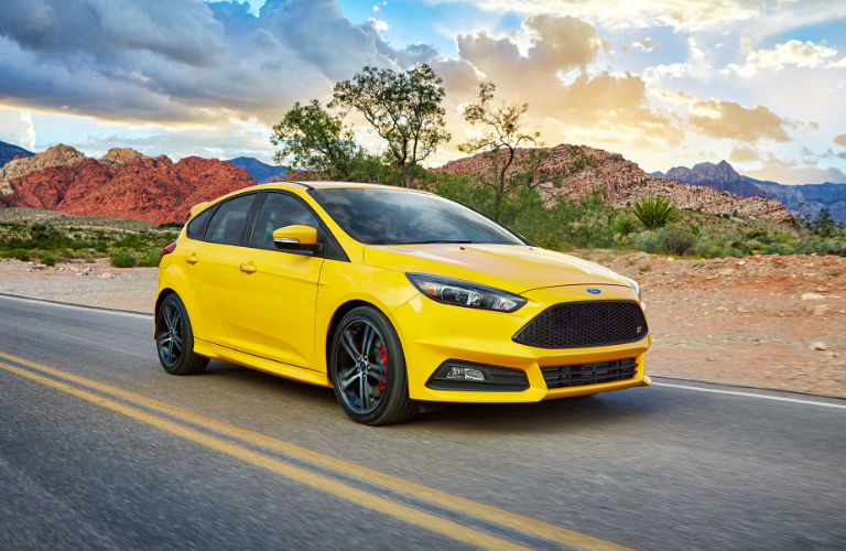 2017 ford focus engine options and fuel economy rating. Black Bedroom Furniture Sets. Home Design Ideas