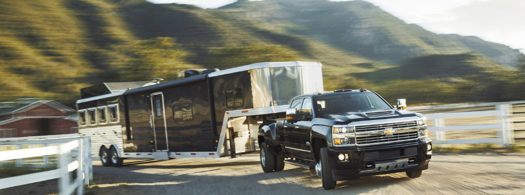 Howie Long's 2017 Chevy Silverado 3500HD Strength and Towing Test Video