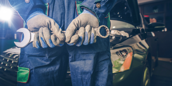 Where to get your vehicle serviced on Guam Technician