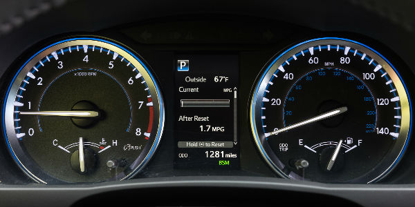 ... 2017 Toyota Highlander XLE Speed Display