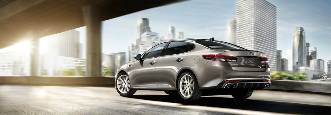 What safety features does the 2017 Kia Optima have