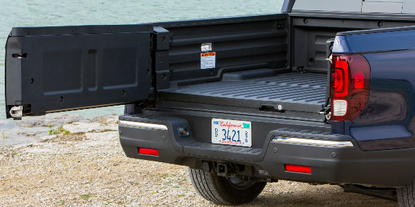 Ridgeline Tailgate 2_o how much can the 2017 honda ridgeline tow? honda ridgeline trailer wiring harness at crackthecode.co