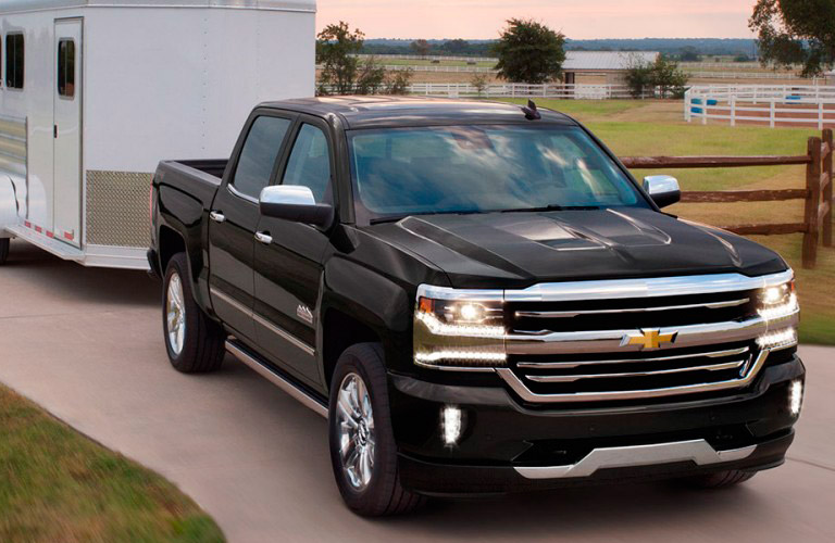 chevy 39 s latest pickup trucks now in baxter mn dondelinger chevrolet cadillac. Black Bedroom Furniture Sets. Home Design Ideas