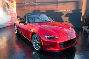 2016-mazda-mx-5-miata-live-reveal-front-three-quarters-04