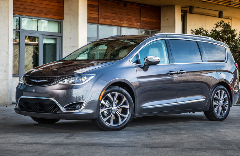 2018 Chrysler Pacifica exterior