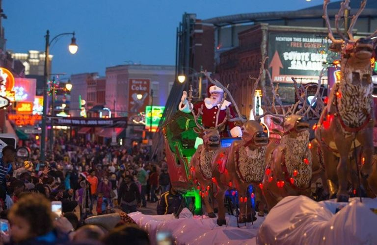 Memphis Holiday Parade Santa float
