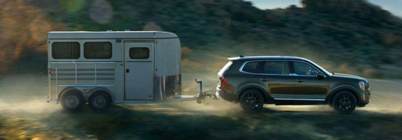 2021 Kia Telluride towing a trailer