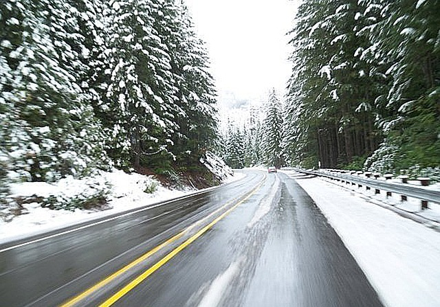 How to minimize risk when driving in the winter