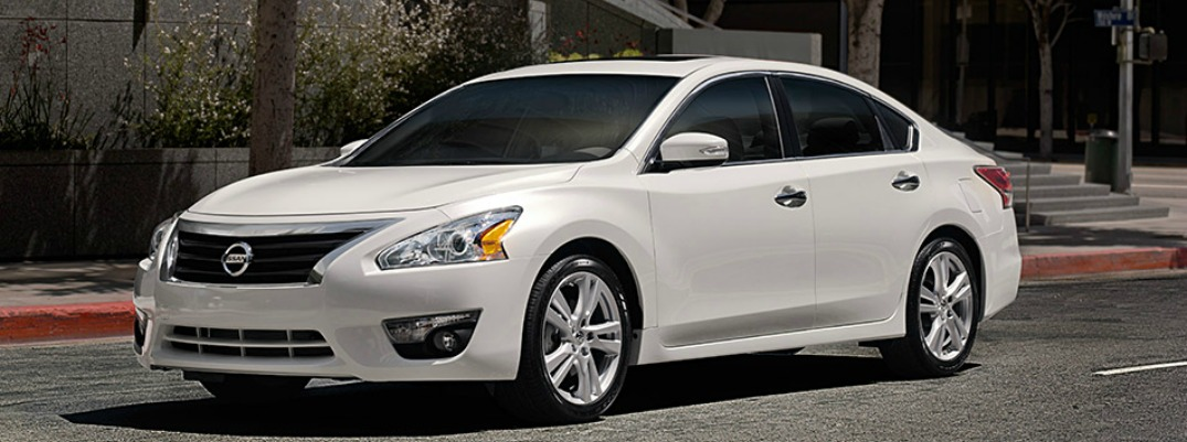 Features Abound On The 2015 Nissan Altima Robbins