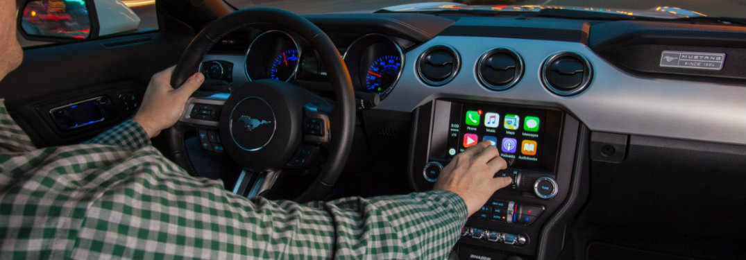 How many 2017 Ford models offer Apple CarPlay and Android Auto