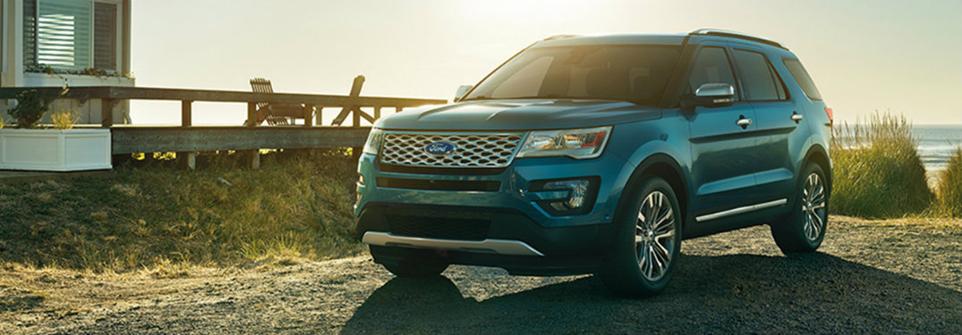 How many engines are offered on the 2017 Ford Explorer