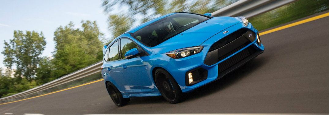 What kind of engine is offered on the 2017 Ford Focus RS?