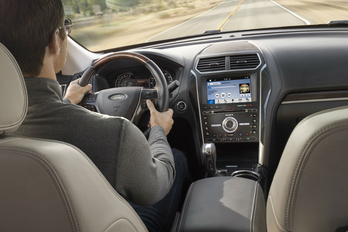 2017 Ford Explorer Front Interior Driver Dash And Infotainment