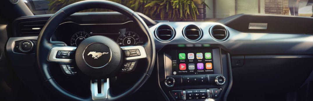 2016 Ford Models Now Offer Apple CarPlay and Android Auto_o