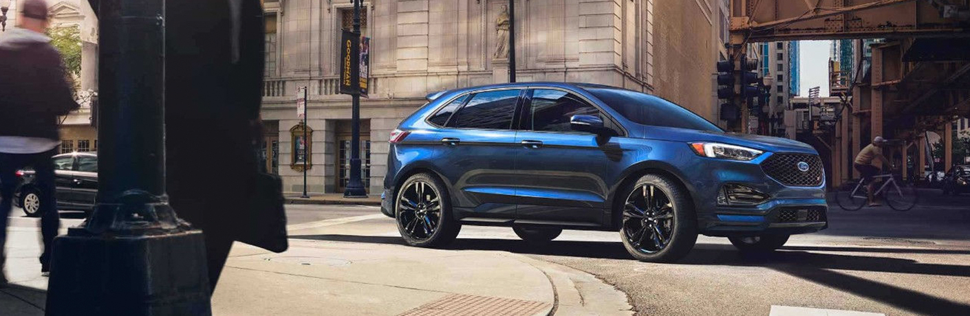 2019 Ford Edge turning on city street